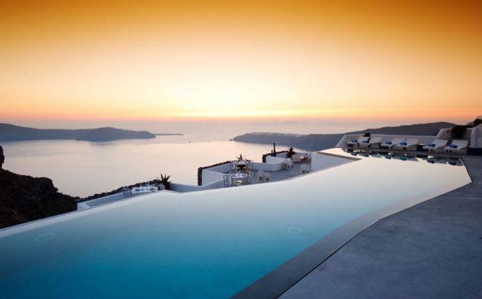 Santorini-En_İyi_Otellerden_Bir_Tanesi