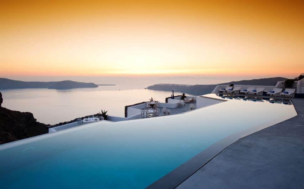 Santorini_En_İyi_Otellerden_Bir_Tanesi