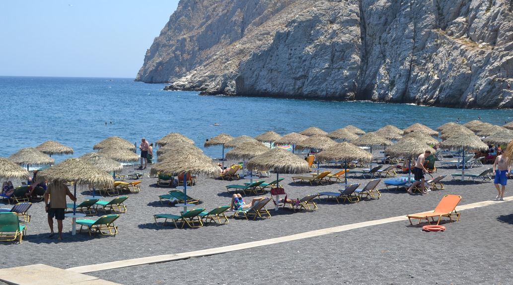 Kamari_Beach