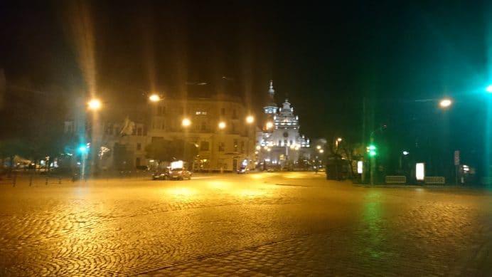 Gece Lviv Sokakları