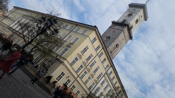 Rynok Meydanında Yer Alan Belediye Binası
