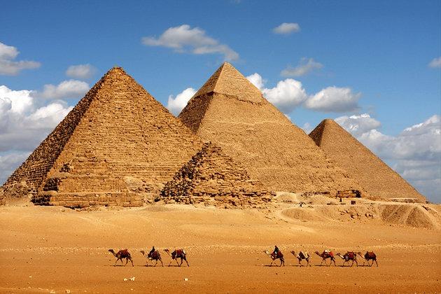 Giza_piramitleri_Mısır