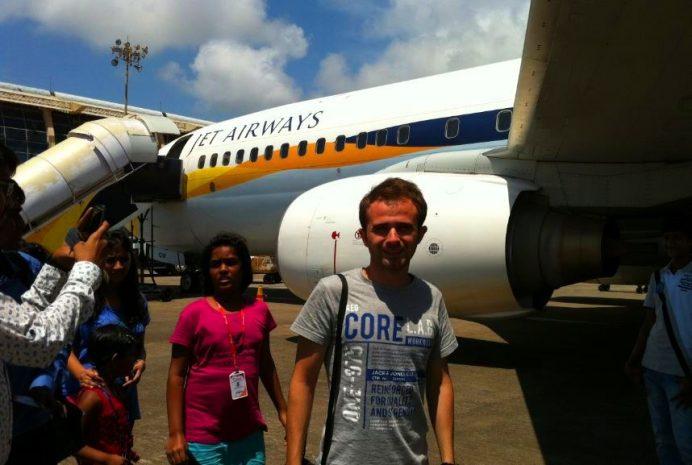 Hindistan'da Uçaklar Bir Çok Şehre Uçuyor