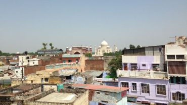 Agra-Tac Mahal (Konakladığımız Otelin Çatısının Manzarası)