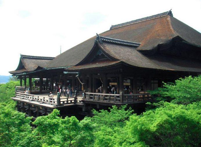 kyoto_tapinaklari