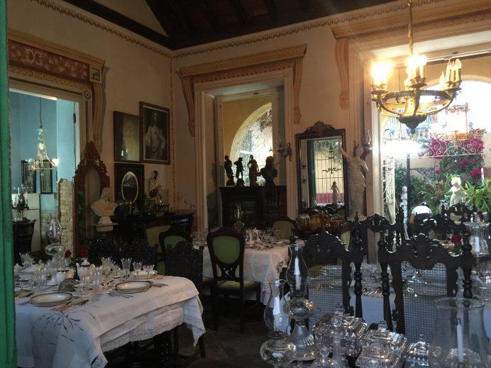 Trinidada_yolunuz_duserse_yemeginizi_Restaurante_Museoda_yiyebilirsiniz