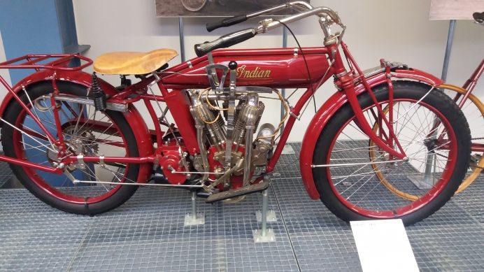 Ulusal_Teknik_Müzesi_İçerisindeki_Tarihi_Motorbisiklet