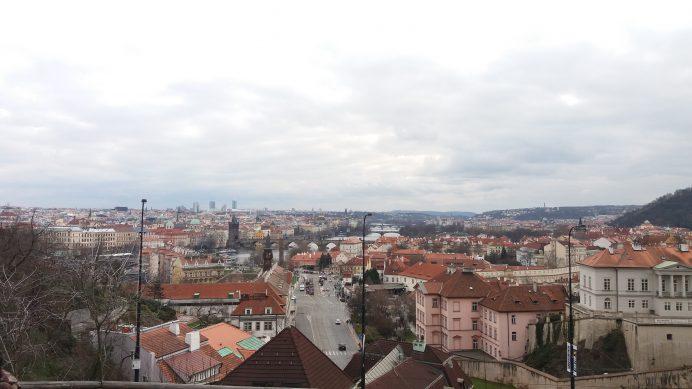 Letne_Park'ın_İçinden_Prag_Manzarası