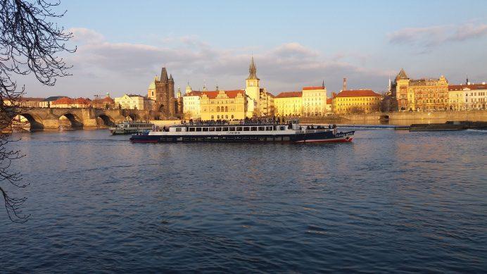 Vltava_Nehri_Üzerinden_Prag_Manzarası