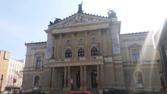 Opera_Binası_Prag