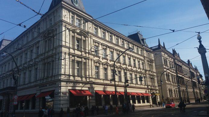 Prag_Sokakları_Nazım_Hikmet'in_Uğrak_Yeri_Cafe_Slavia