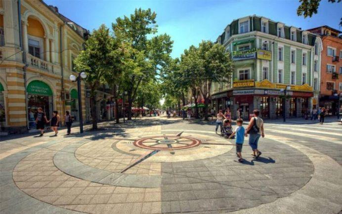 Aleksandrovska_Caddesi_bulgaristan_gezilecek_yerler_burgaz