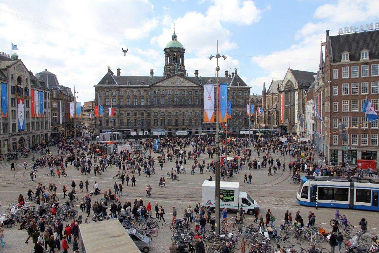 Avrupa k tas gezi rehberi birhayalinpe inde for Ostello amsterdam piazza dam