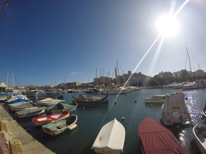 Malta'da_Bir_Deniz_Kıyısı