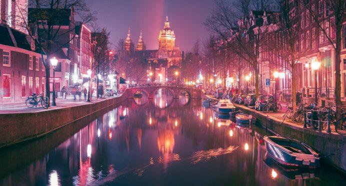 Kırmızı Sokak Amsterdam