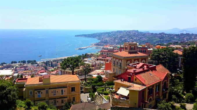 Napoli-Sant-Elmo-Kalesi