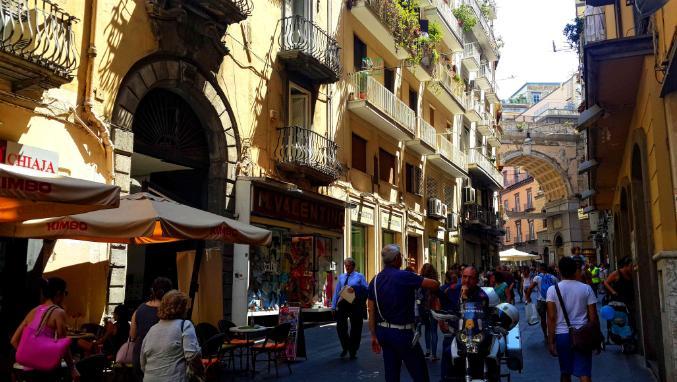 Napoli-Via-Chiaia