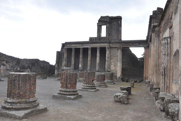 Napoli-pompei-tapınak