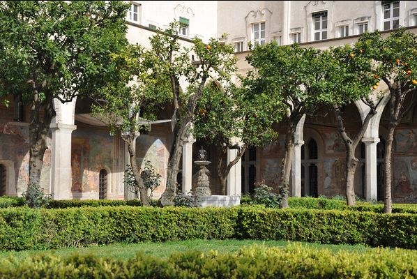 Napoli-santa-chiara-kilisesi-ici