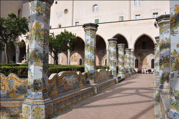 Napoli-santa-chiara-kilisesi