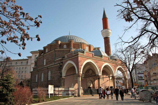 banyabaşı_cami_sofya_bulgaristan_araba_vizesi_şehirleri_başkenti_gece_hayatı