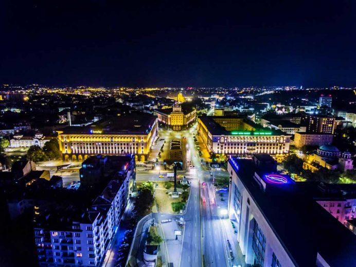bulgaristan_başkenti_sofya_gece_hayatı_geceleri_gezilecek_yerler_serdika_yemekleri