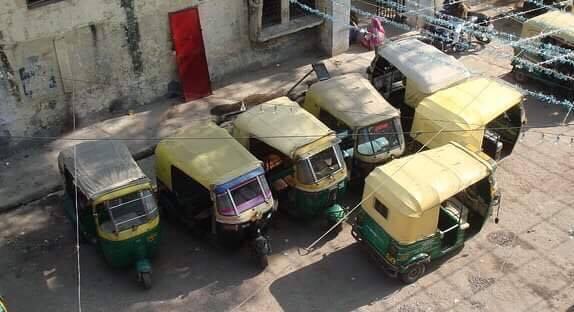 delhi-agra-hindistan-ulaşım-rickshaw