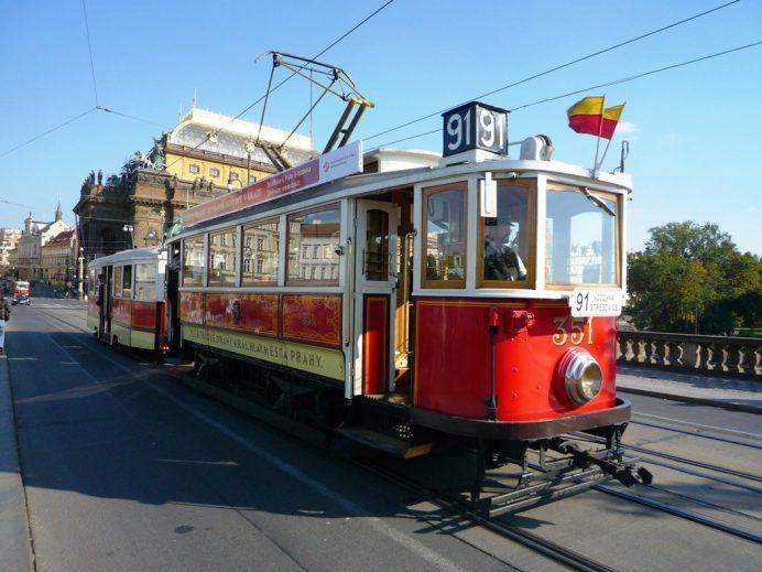 Prag'da_Tramvay_Zamanı_Bu_kadar_çok_tramvayı_çoğu_şehirde_görmek_zor