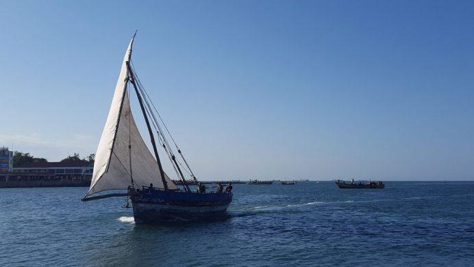Hint Okyanusunda tipik Tanzanya teknesi - Darüsselam.