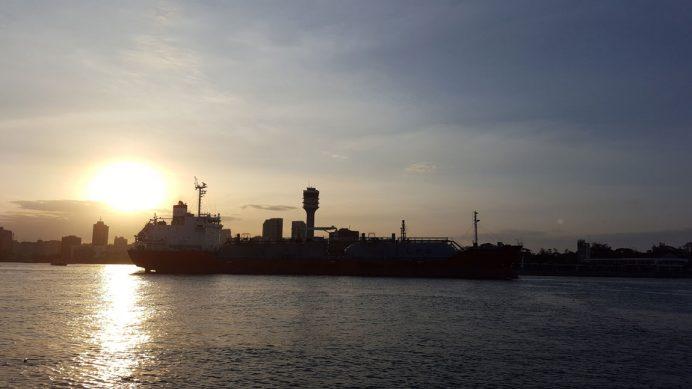 Darüsselam Limanı, Doğu Afrika'nın en büyük ticari limanlarından biri olarak öne çıkıyor.