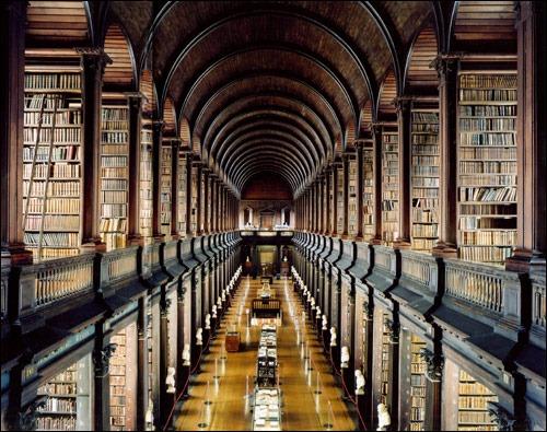 Dublin'de_gezilecek_noktalar:_Trinity_College_Library