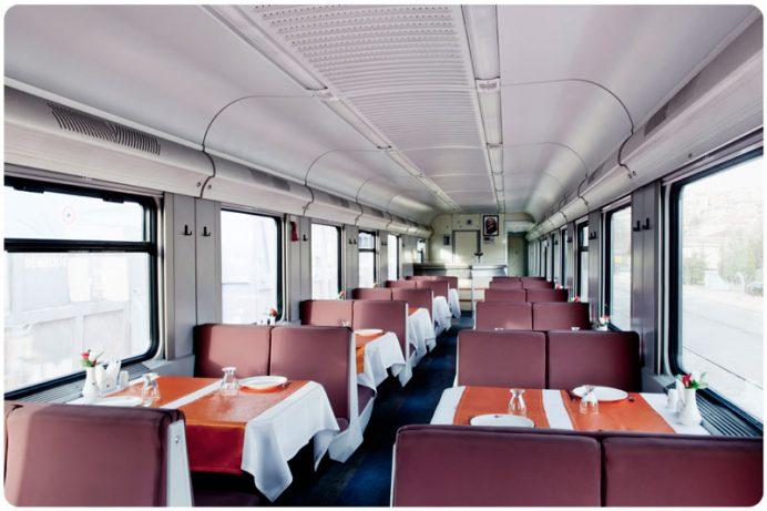 doğu ekspresi yemekli vagon içinin resimi