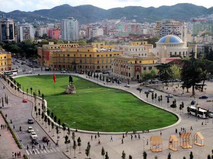 İskender-bey-meydanı-Arnavutluk-Tiran