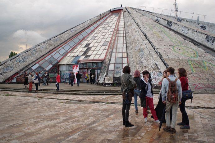 Piramida-Arnavutluk-Tiran