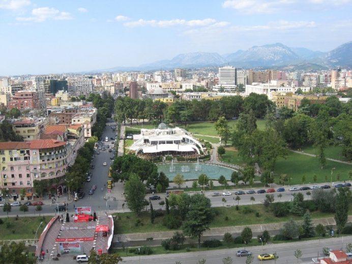 Rinia-park-Arnavutluk-Tiran