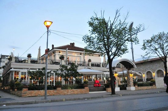 Era-restaurant-tirana-albania