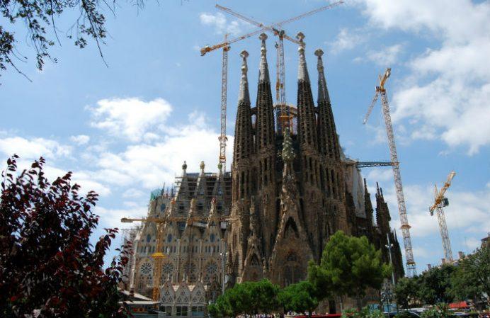Barselona_la_sagrada_falimia_gezilecek_yerler