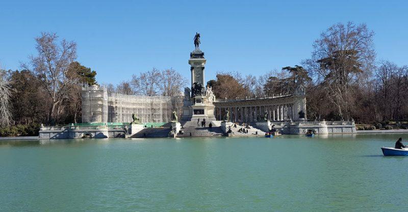 Madrid Gezilecek Yerler: El Retiro Parkı, 12.Alfonso Heykeli
