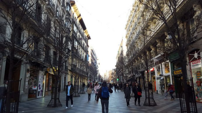 Madrid Gezilecek Yerler: Calle del Arenal