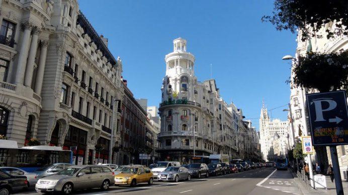 İspanyanın Başkenti Madrid Alışveriş: Calle Gran Via