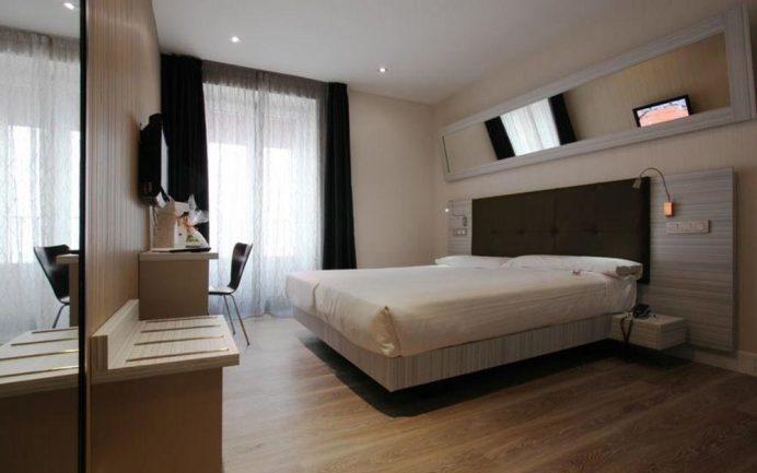 Madrid Otel Önerileri: Petit Palace Puerta Del Sol