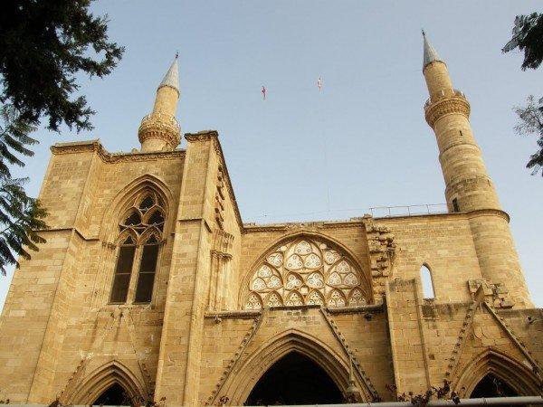 selimiye-camii-kıbrıs-gezilecek-yerler