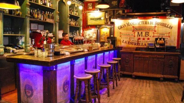 Madrid'in en güzel tapas barlarından Taberna Corrientes