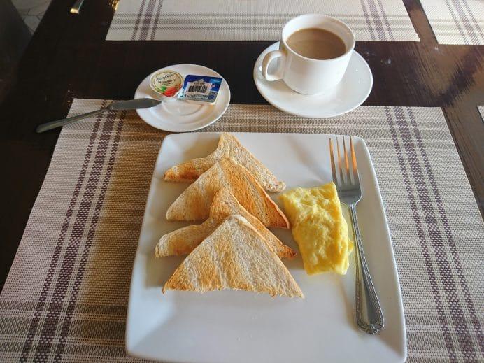 Filipinler-Bohol-Adası-Kahvaltı