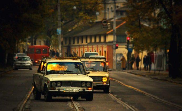 odessa_deribasovskaya_caddesi_gezilecek_yerler_ukrayna_gezisi_ukrayna_sokak_havayolları_gece_hayatı_geceleri_kadınları_kiev