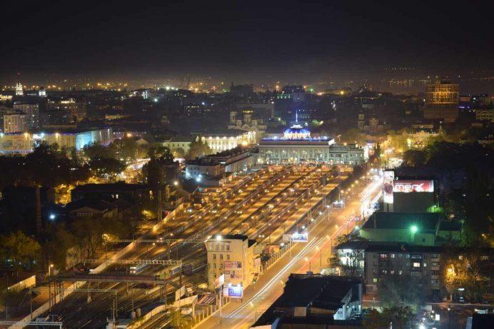 odessa_tren_garı_otobüs_ulaşım_gezilecek_yerler_ukrayna_gezisi_odesa_ukrayna_havayolları_geceleri_gece_hayatı_kadınları