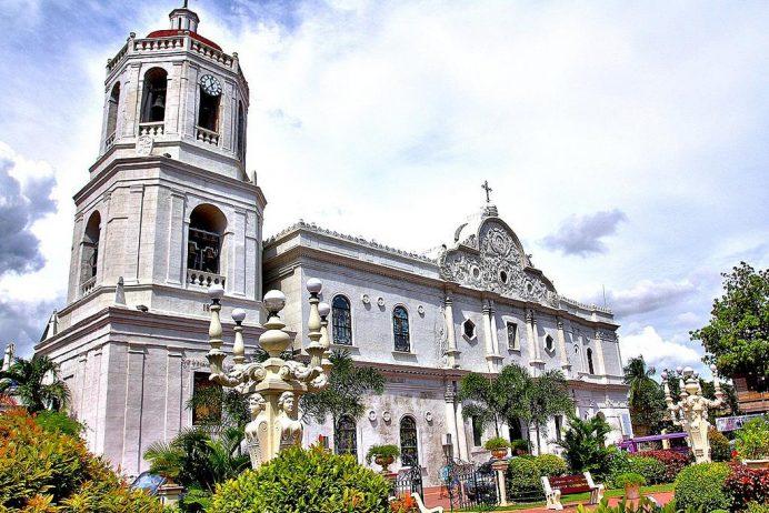 Cebu-Metropolitan-Katedral-Filipinler