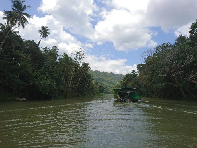 Loboc-Nehri-Filipinler