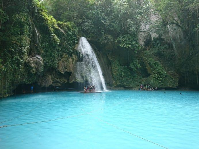 Kawasan-Şelalesi-Cebu-Adası
