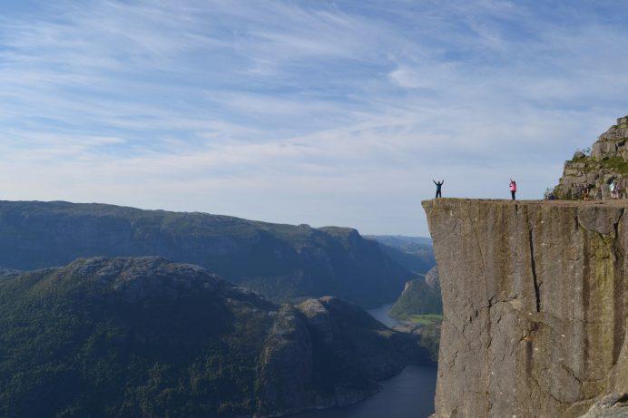 Pulpit-Kayası-Norveç